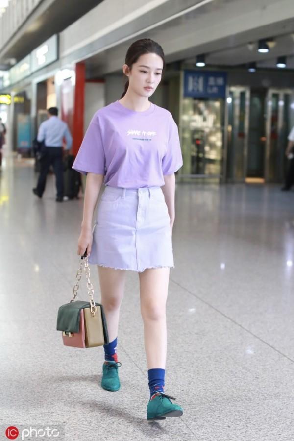 """""""腿精""""们的夏天到了!TEE+短裙清凉又少女"""