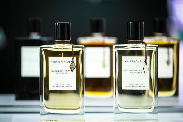 真正適合夏日的香水,竟然是最純凈的味道…