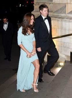 高雅不高冷 时髦不浮夸 凯特王妃与L.K.Bennett的不
