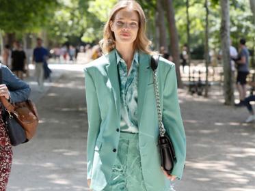 夏末初秋的第一件西装 从浅蓝、浅粉...开始