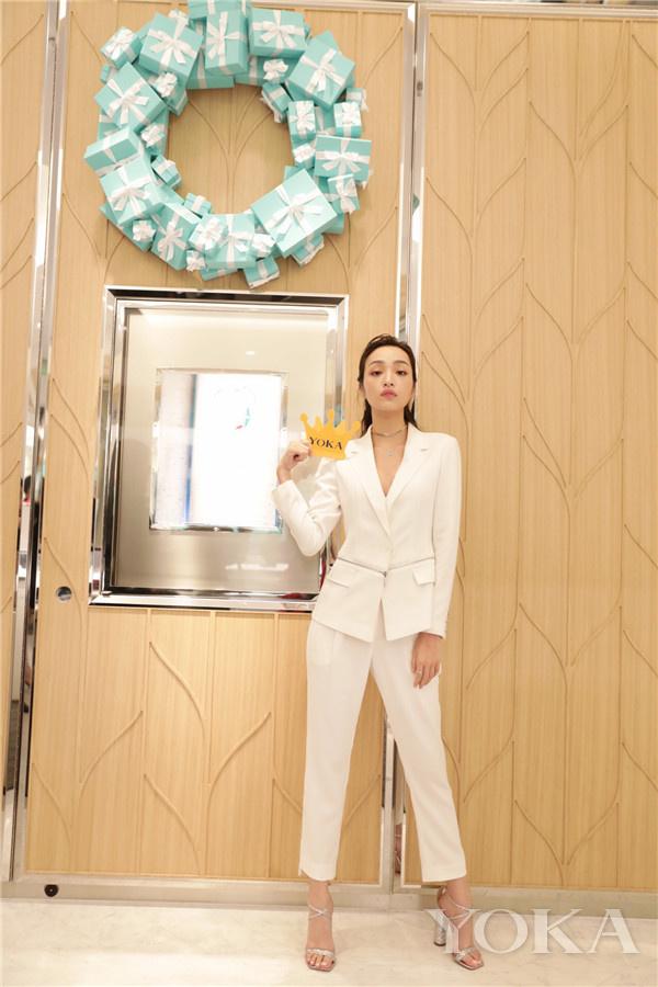 新人演员索朗美淇女士闪耀蒂芙尼蓝色之夜(图片来源于品牌)