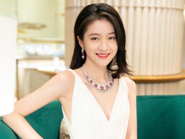 姐姐妹妹齊聚上海,誰的珠寶最能打?