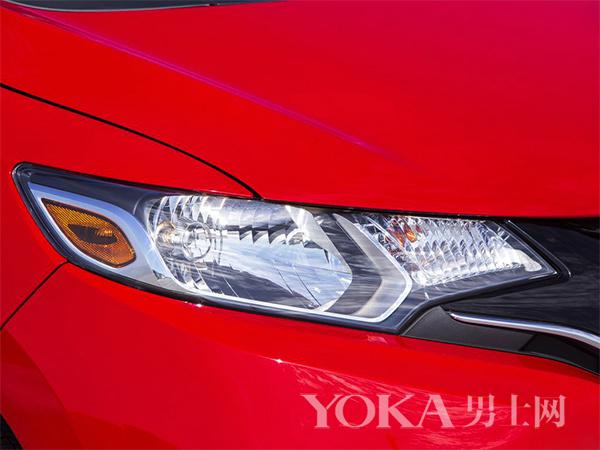 汽车大灯在照明扮酷外还有啥功能 当然是卖萌了
